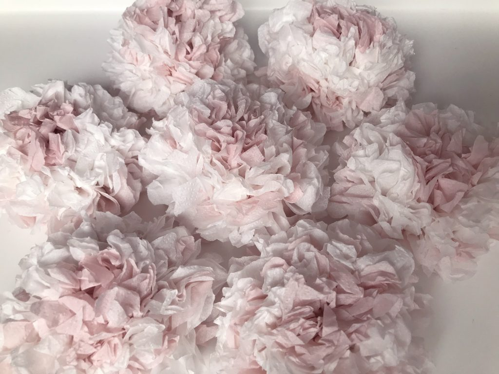 Diy Papierowe Kwiaty Z Serwetek Zaprogramowana Mama